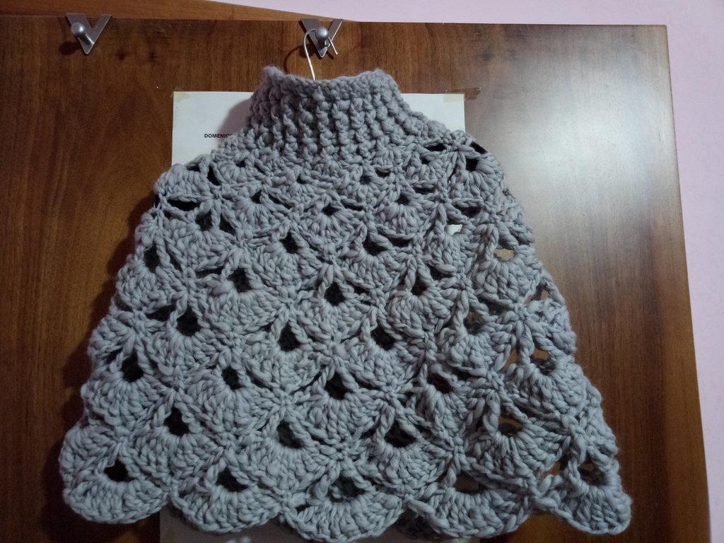 Coprispalle poncho in lana
