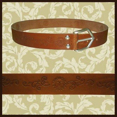 Cintura vintage decorata