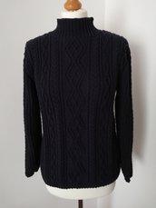 Pullover motivi irlandesi fatto a mano ai ferri, 80% lana 20% cachemere, colore blu scuro, taglia S