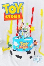 Torta finta toystory realizzabile per qualsiasi tema