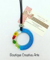 Collana resina e fiori secchi Blu cerchio