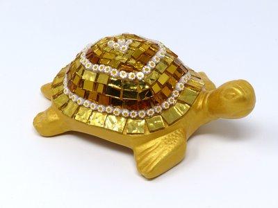 Tartaruga in Ceramica con Decoro in Mosaico sulle tonalità dell'Oro