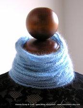 collier scaldacollo in angora azzurra, crochet uncinetto
