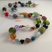 Collana multicolor e mix di pietre