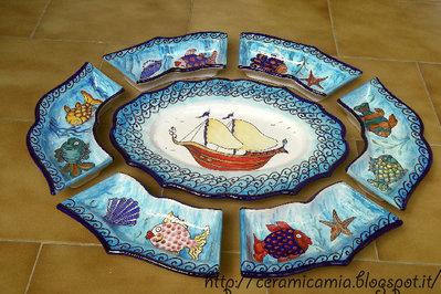 Antipastiera di ceramica dipinta a mano