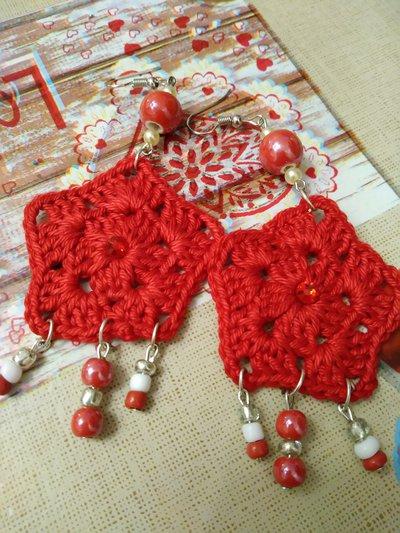 Orecchini pentagono rosso