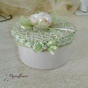 Scatola portagioielli verde decorata con pizzo, scatola shabby, regalo ragazza, san valentino
