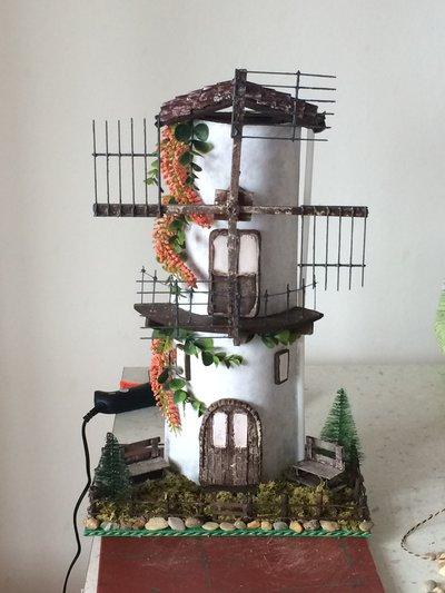 Tegola decorata mulino a vento