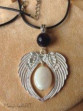 Collana con ciondolo Angelo in metallo argentato e pietre dure
