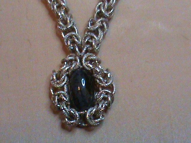 Collana con pietra incastonata in Chain Maille