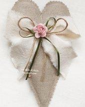 Cuori in lino grezzo imbottiti di lavanda o ovattina,per bomboniera o segnaposto,personalizzabili