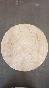 Orso inciso nel legno