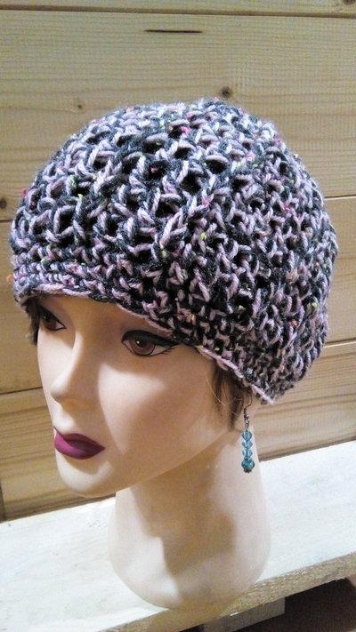 Cappello da donna grigio antracite e rosa