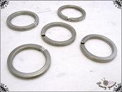 Anelli portachiavi a filo piatto in acciaio, colore argento, 5 pezzi