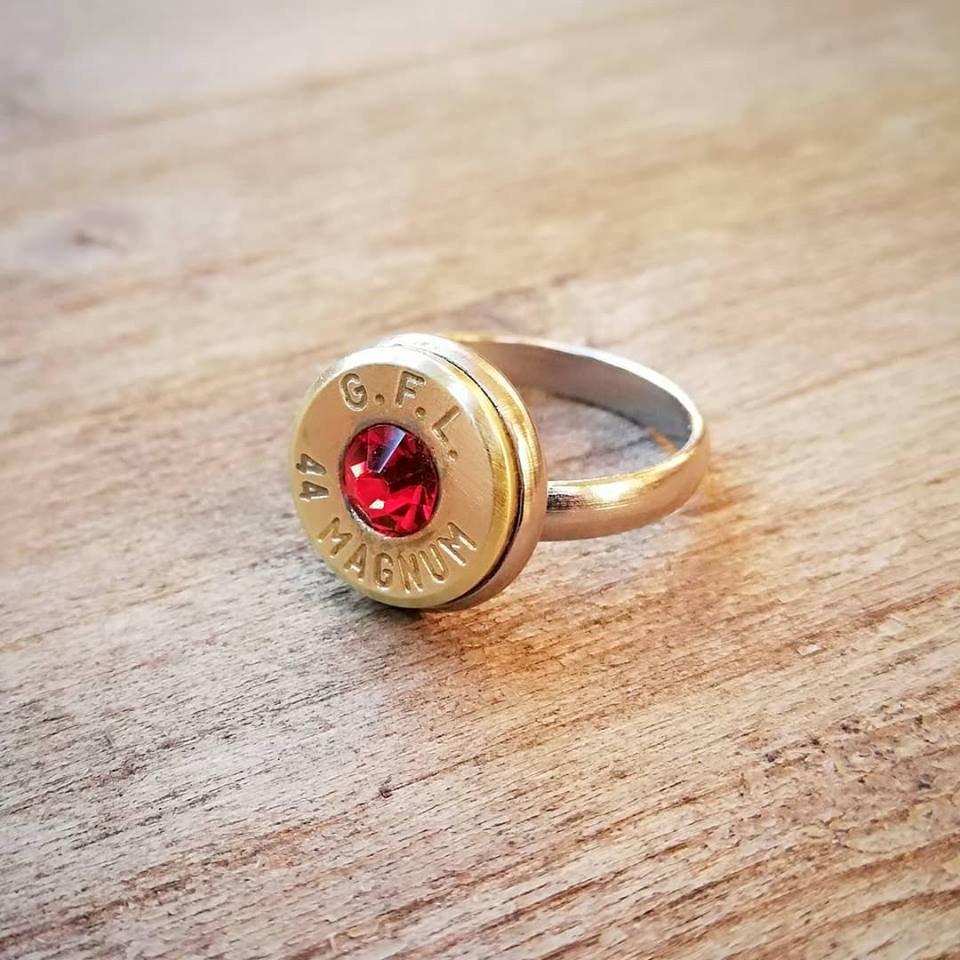 Anello cal 44 magnum  cristallo rosso