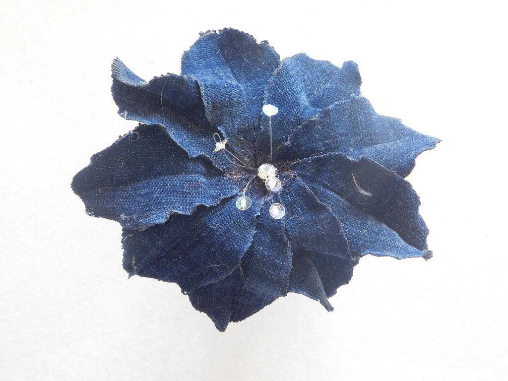 spilla con fiore di stoffa mod.Anemone