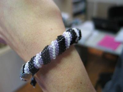 Braccialetto a spirale Cellini bianco nero e lilla