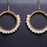 orecchini pendenti con filo placcato argento e perle di fiume coltivate