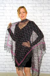 Incredibile scialle nero con ricamo, sciarpa, Openwork, lana di capra, scialle, fatto a mano, lana, scialle nera, scialle traforato, scialle lavorato a maglia, scialle di piume