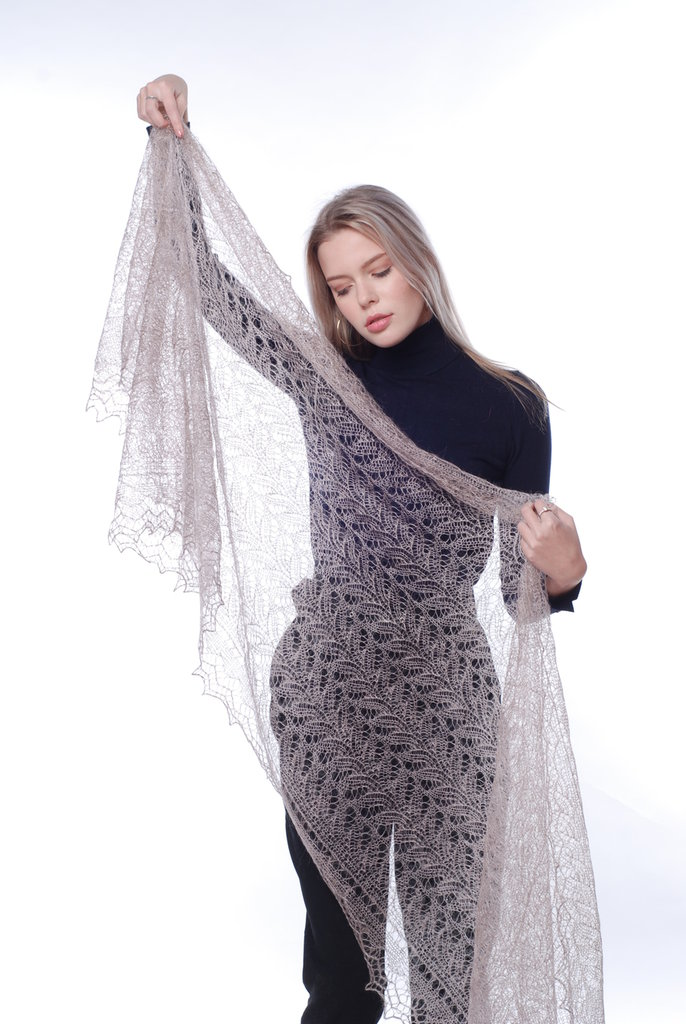 mantellina di lana, mantello di lana, scialle, scielle di lana, scialle caldo, aggiornato, mantellina, lana di capra, colore caffe, sciarpa, un regalo per lei