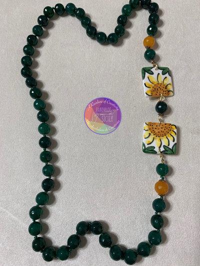 collana con pietre in agata verde