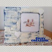 Portafoto in legno shabby chic decorato con tecnica decoupage craklé 16x15cm