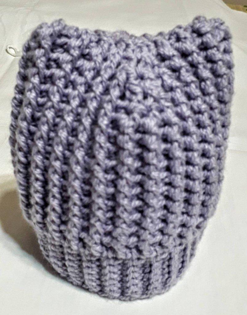 Cappellino con orecchie per bimba 0/3 mesi fatto a mano all'uncinetto