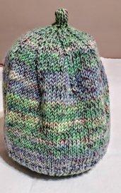Cappellino per bambini fatto a  maglia