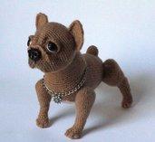 Bulldog francese all'uncinetto amigurumi fatto di mohair