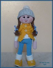 Bambola Lilly teen-ager uncinetto amigurumi