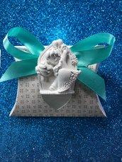Sposi casquè in gesso ceramico su scatolina cuore
