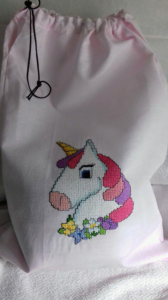sacchetto portabiancheria unicorno
