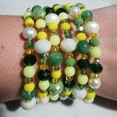 Bracciale bangle con cristalli e perline tra il giallo e il verde