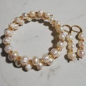 Bracciale bangle con perle di fiume e mezzi cristalli cubi