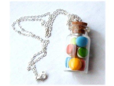 Collana bottiglietta macarons