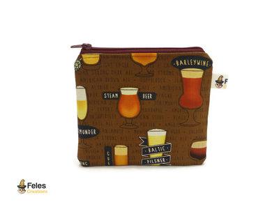 Portamonete con bicchieri di birra