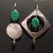 Orecchini in alluminio e pietre
