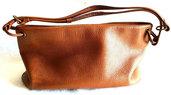 Borsa Minaudiere usata in pelle marrone con tracolla monospalla chiusura scatto