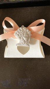 Bomboniera albero della vita con icona comunione gesso ceramico su scatolina cuore