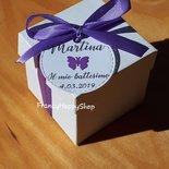 Scatoline bomboniere battesimo,bomboniere nascita,bimbo,bimba,targhette personalizzate,farfalla,bianco e lilla,compleanno bimba farfalle,scatoline bianche portaconfetti,segnaposto