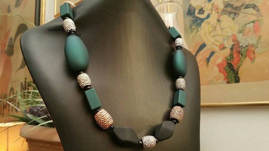 COLLANA in  RESINA DARK GREEN, ONICE E MARCASITE