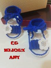 Scarpine sandali per neonata in puro cotone fatte a mano all'uncinetto