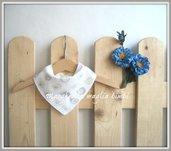 Bavaglino bandana - bavaglino neonato - cotone bianco con uccellini - fatto a mano