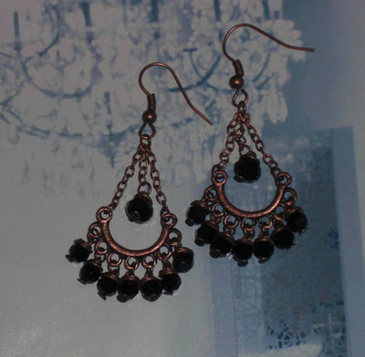 chandelier orecchini rame e swarowski neri
