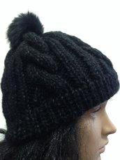 Cappello lavorato pon pon