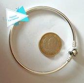 Bracciale rigido color argento 19 cm chiusura cuore