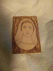 Quadretto in legno pirografato Madonna
