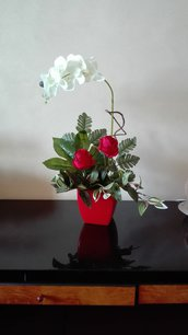 Orchidea e rose