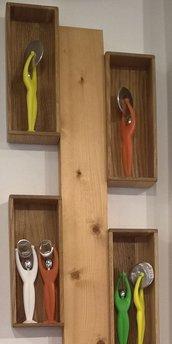 Pensile porta oggetti da parete in legno
