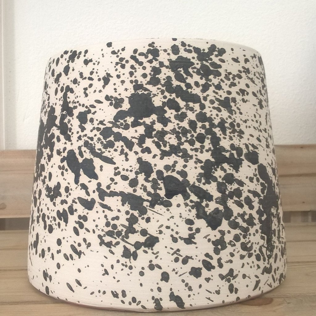 Porta vaso in terracotta bianco e nero